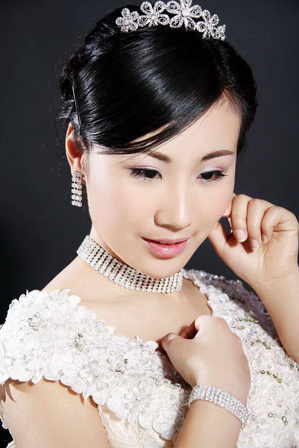 新娘晚妆及造型;摄影新娘妆及造型;韩式新娘妆及造型